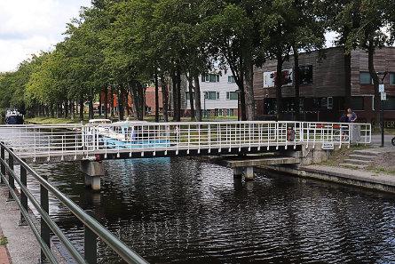 Foto Oosterwolde, fiets/voetbrug