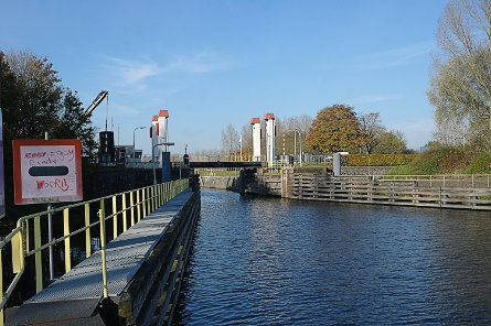 Foto Henriettesluis, brug over bovenhoofd