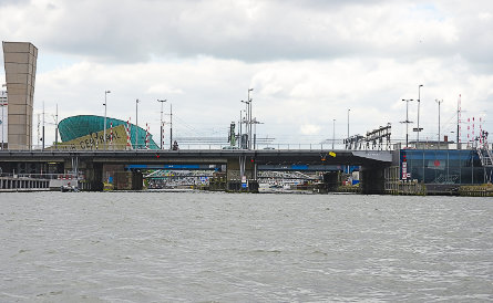 Foto spoorbrug Oosterdok Amsterdam