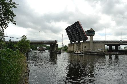 Foto Schipholbrug in de A9
